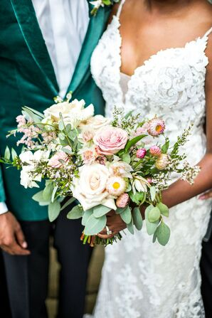 Romantic Bouquet for Wedding at Hidden Waters in Waxahachie, Texas