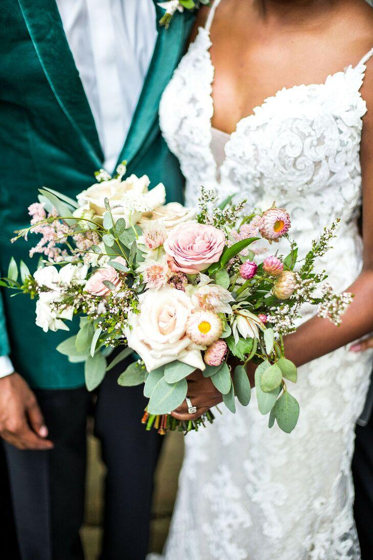 Romantic Bouquet for Wedding at Hidden Waters in Waxahachie, Texas