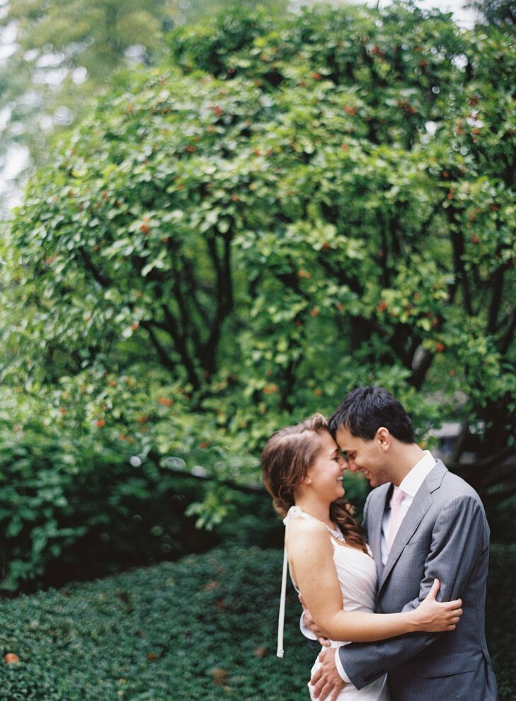 Caryn and Leslie brought their vintage backyard day to life with pops of coral and tangerine.