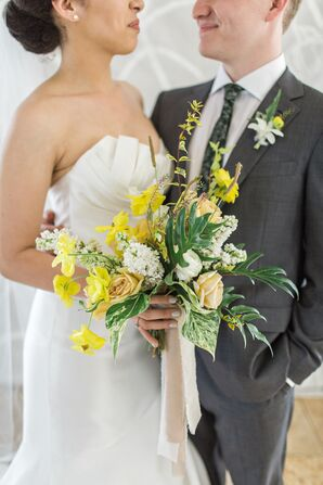 Modern, Minimal Bouquet with Yellow Daffodils, Roses and Banana Leaves