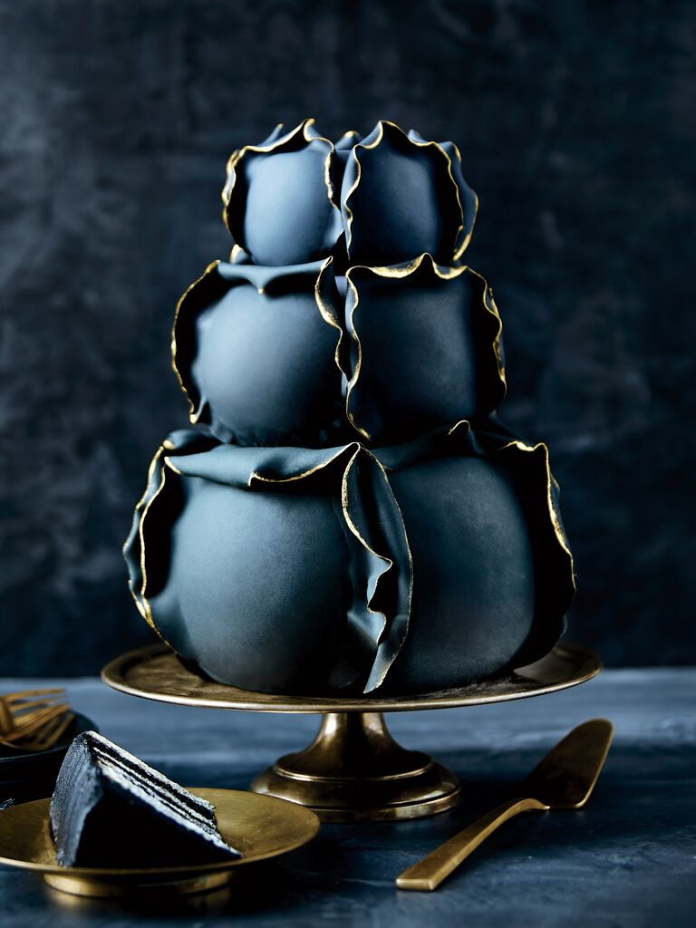 Black wedding cake 2019 trend