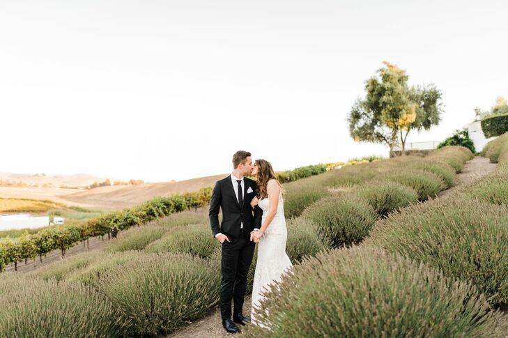 Thanks to her Italian roots and Northern California upbringing, Jenna Whitecar always longed to get married on a vineyard. She chose Leal Vineyards in