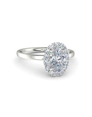 Gemvara - Customized Engagement Rings Elegant Oval Cut Engagement Ring