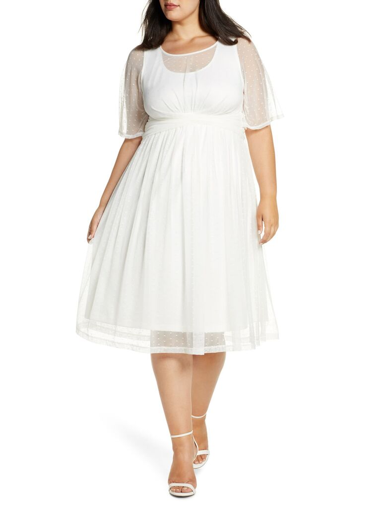 Plus-size white engagement party dress with short sleeves