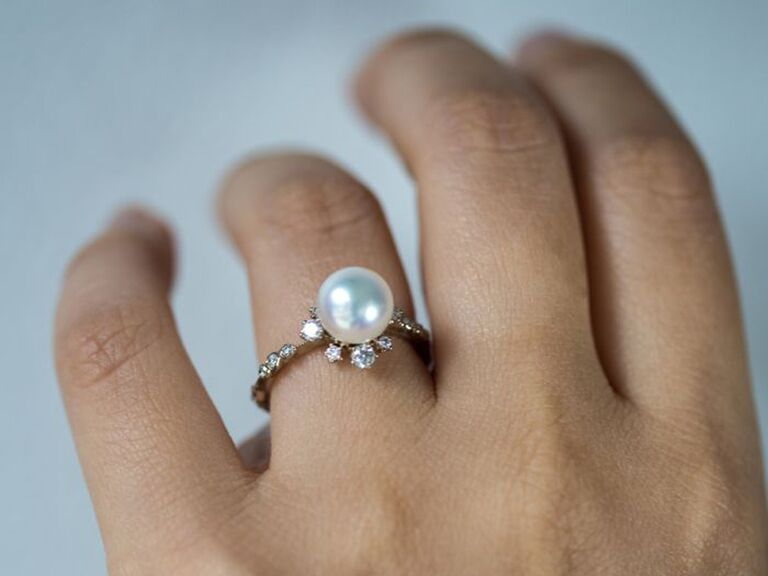 peal alternative engagement ring