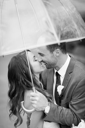 Elle and James Kiss in the Rain