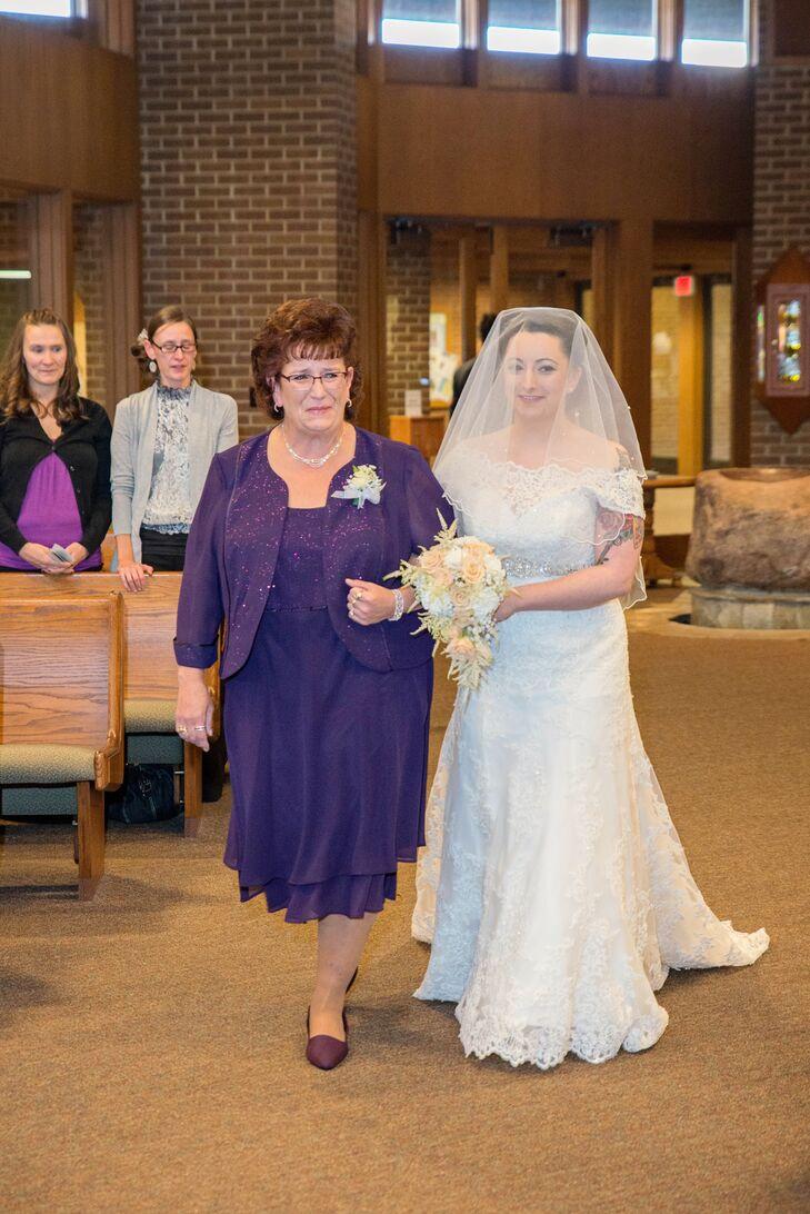 Vintage-Inspired Bride in Veil at St. Bernard Church Ceremony