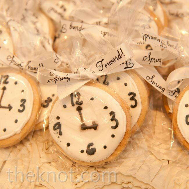Because their wedding date fell right before the daylight savings time adjustment, Allison and Zach sent guests home with cookies to remind them to turn their clocks forward.