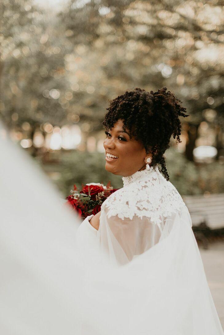 Elegant Bride at at Forsyth Park in Savannah, Georgia