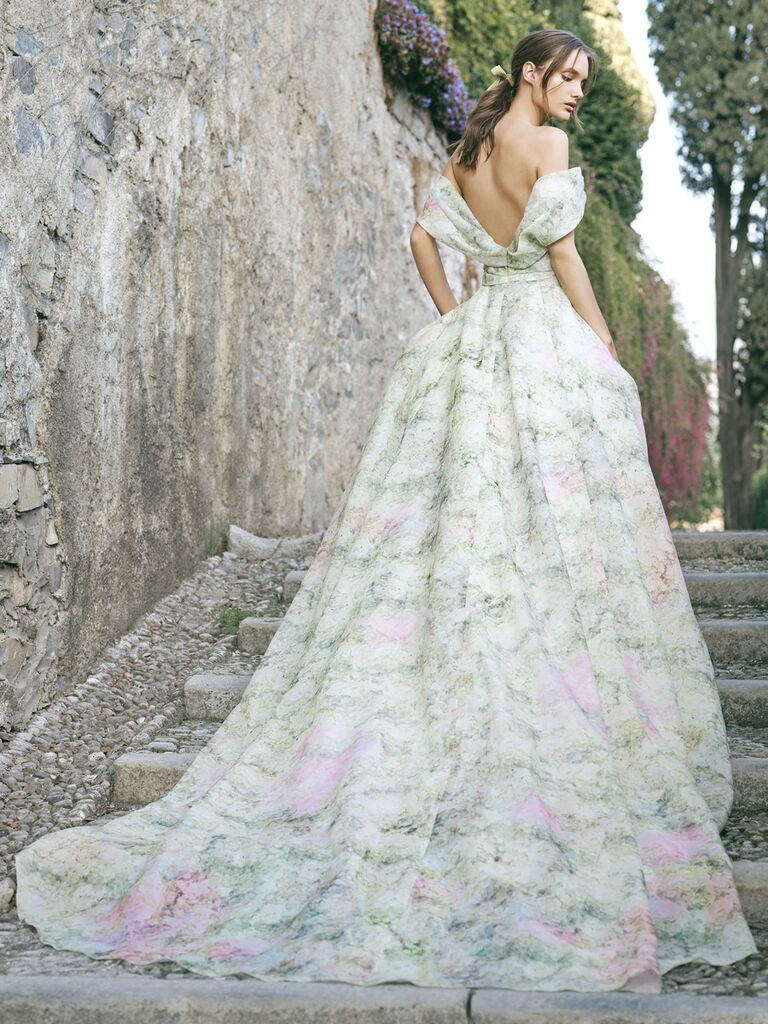 10 Unique Wedding Dresses That Will Stand Out