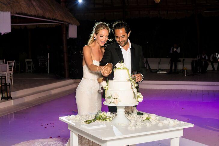 Elegant White Wedding, Cake Cutting in Mexico
