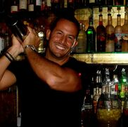 Phoenix, AZ Bartender | Paul Michaels' Mixology and Event Staffing