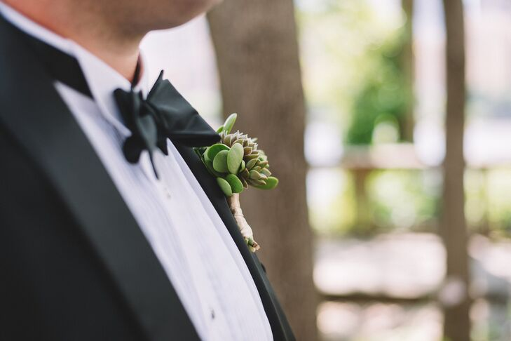 The boutonnieres and bridal bouquets featured succulents.