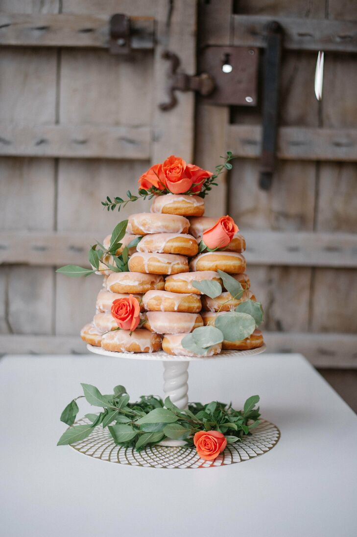 Instead of cake, the couple served a tower of dulce de leche donuts.