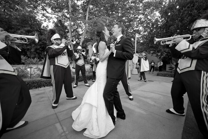 Jillian and Jason had their first dance to Elton John's, Your Song.