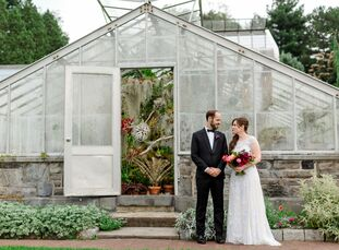 The Wave Hill botanical gardens were an ideal setting for history buffs, Danika Fears (27 and a journalist) and Anders Pauley's (28 and a lawyer), Hud