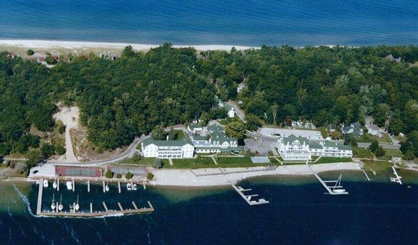 Portage Point Inn And Marina