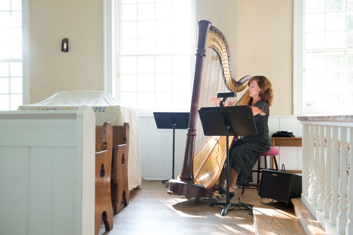 A harpist played softly in the background as guests arrived to the ceremony.