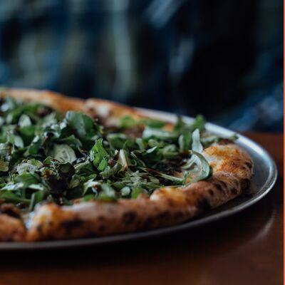 Toss 'n' Fire Wood-Fired Pizza