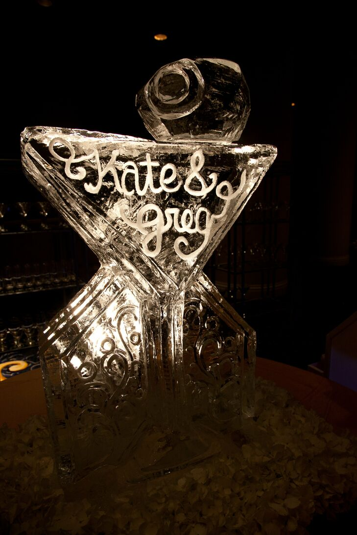 The ice sculpture was designed to replicate the couple's signature drink.