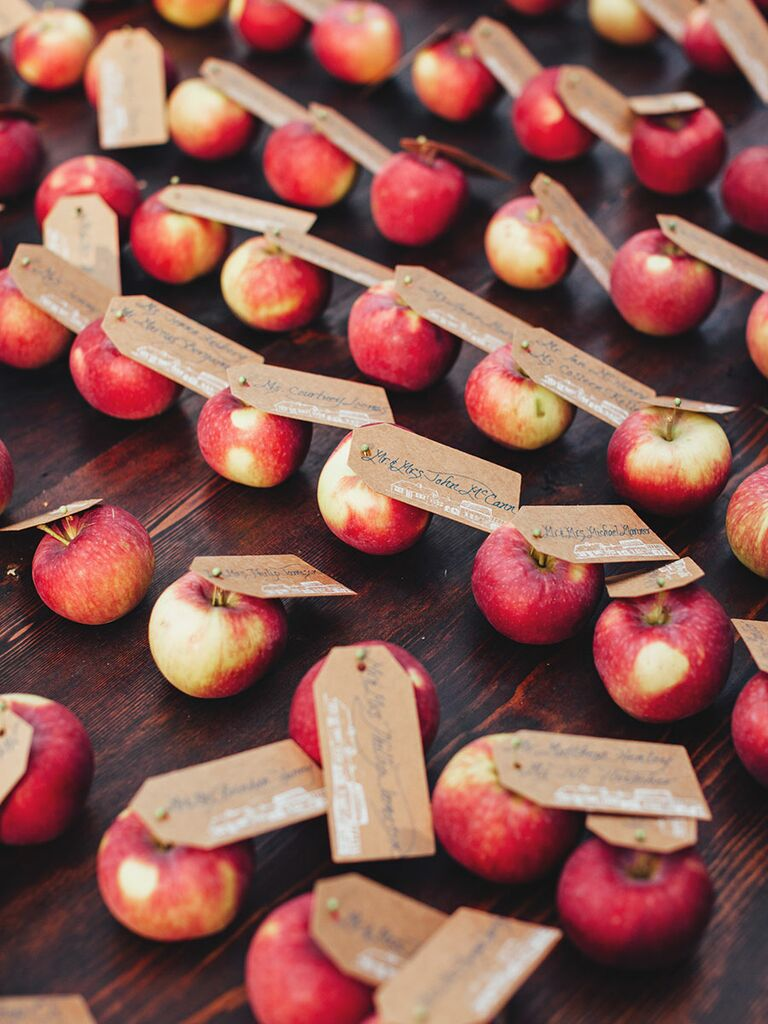 Snow White escort card idea with apples