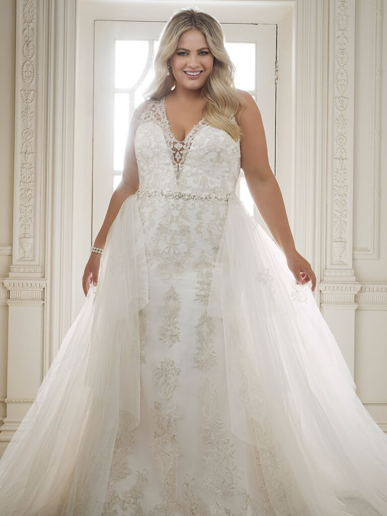 Lace Embellished Plus Size Wedding Dress With Detachable Skirt