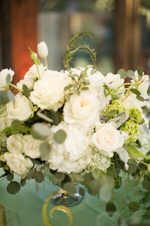 Naturalistic White Flower Arrangements With Eucalyptus