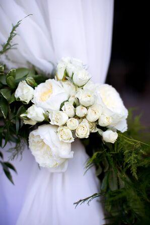 White Garden Rose and Spray Rose Ceremony Decor