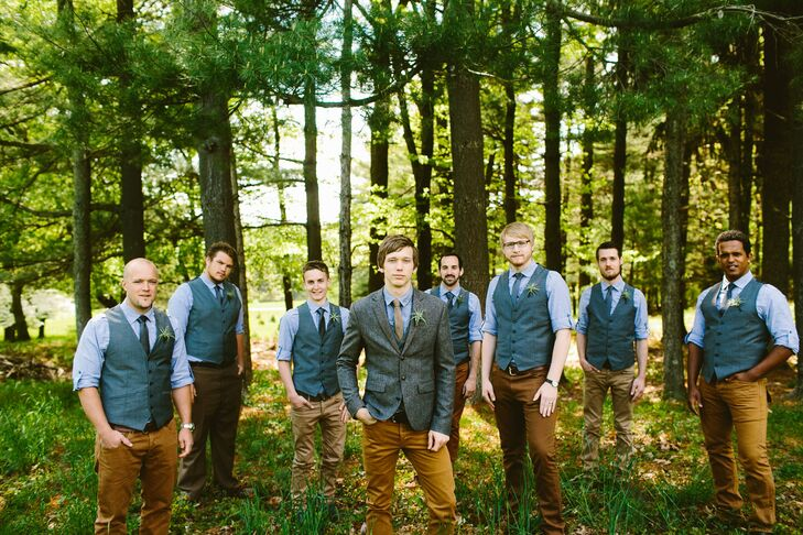 The groomsmen wore matching shirts, vests and ties from H&M.
