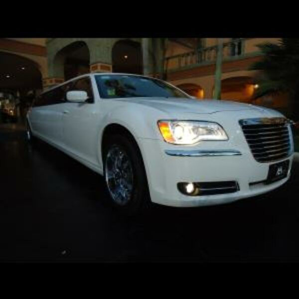Millenium Limo - Luxury Limo - Fort Lauderdale, FL