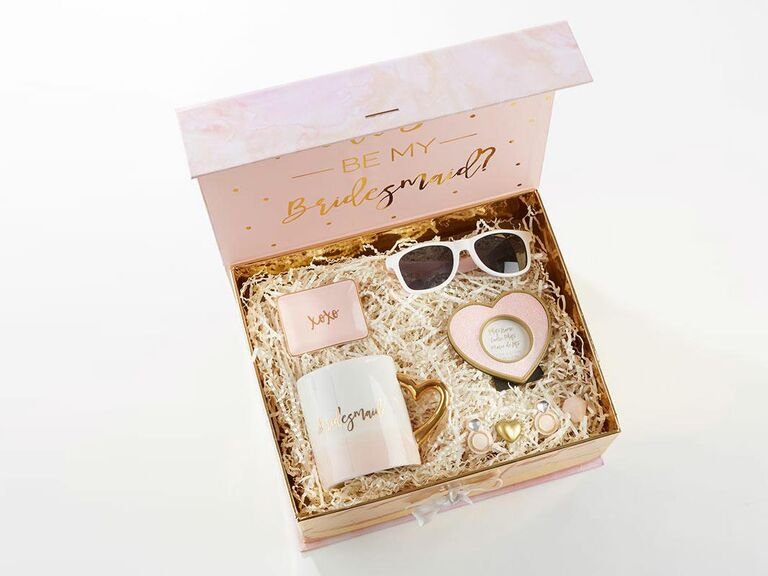 bridesmaid proposal box with sunglasses and trinket dish