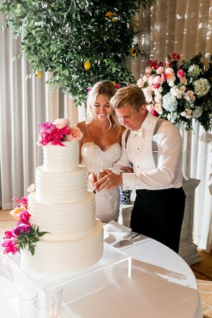 Glamorous Cake Cutting with Bride and Groom