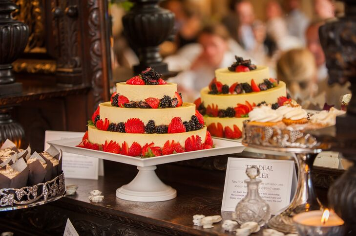 The bride and groom opted for a nontraditional cake choice– cheesecake.  Annie Sparks Dempster used the same recipe Liz won Chris over with in their first few weeks of dating.