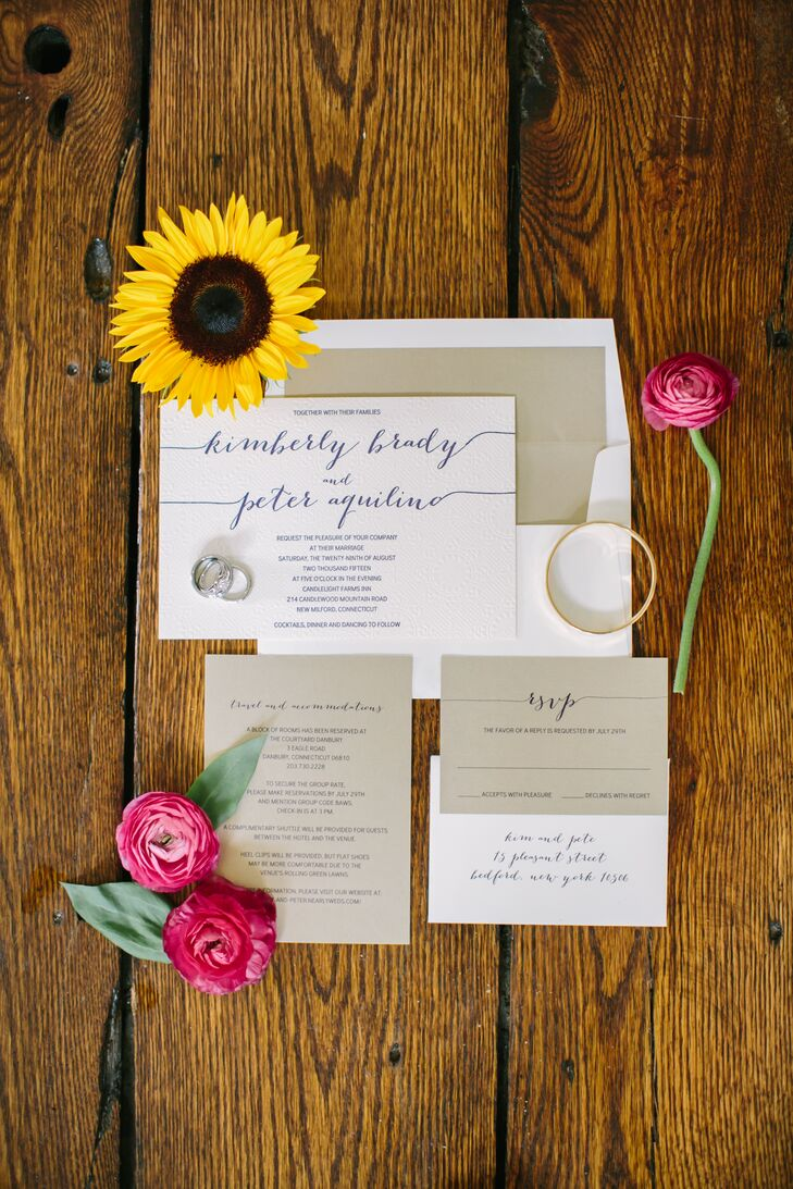 When they chose a design for their invitations, the couple enlisted the help of Peter's friend Alissa, the owner of the stationery store the King's Scribe. She effortlessly translated Peter and Kimberly's vision for a simple yet elegant affair into a stunning invitation suite that struck the perfect balance of whimsy and minimalist chic.