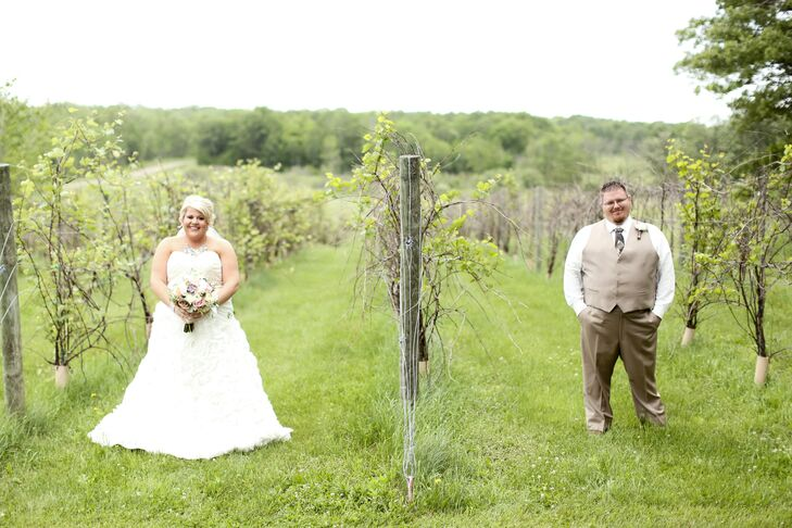 With 400 acres of open fields, lush vineyards and rustic barns, Rum River Vineyard in Hillman, Minnesota, was an easy choice for Katie and Jon to host their wedding. In fact, the vineyards boast 14 of the 22 Minnesota grapes produced by the University of Minnesota for making wine. Photo ops, anyone?