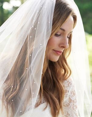 Dareth Colburn 1 Layer Scattered Pearl with Pencil Edge Veil (VB-5078) Ivory Veil
