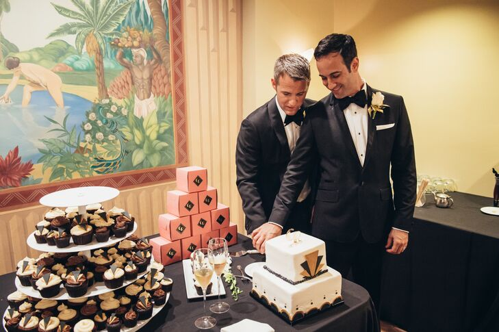 """""""All of the guests had access to a full open bar during the cocktail hour and reception. We rounded the night out with art deco style cupcakes and pulled pork sliders,"""" says Randy."""