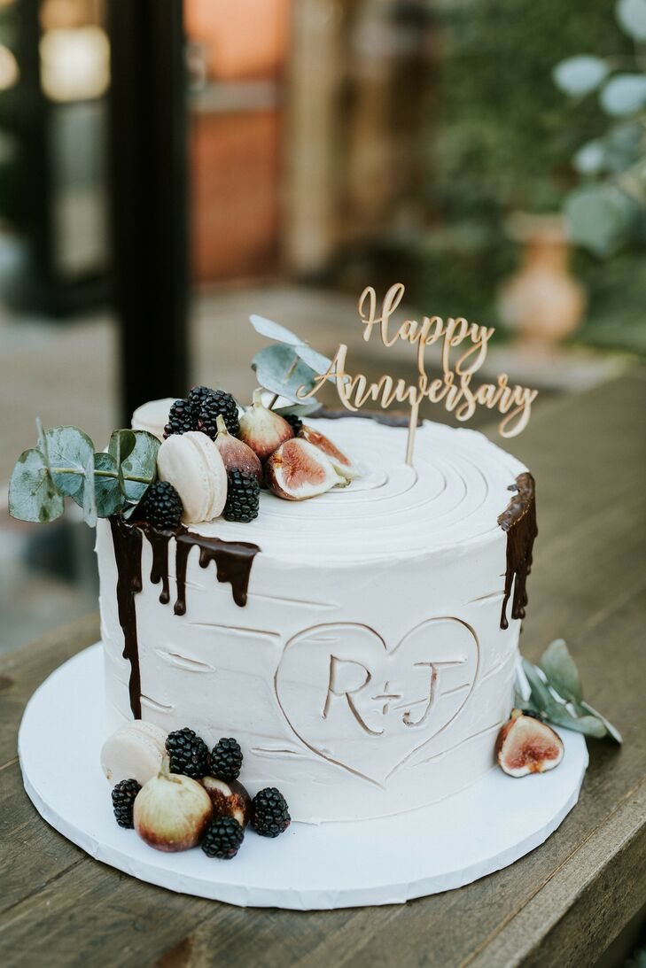 Birch-Tree-Inspired Cake with Figs and Berries