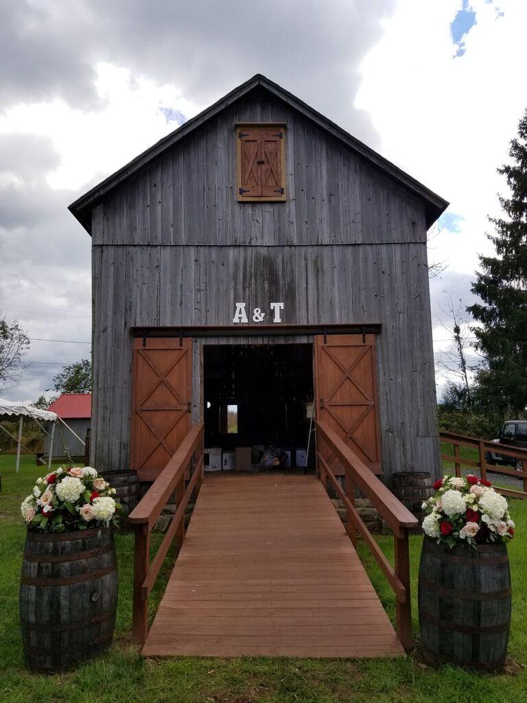Barn wedding venue in Ringoes, New Jersey.