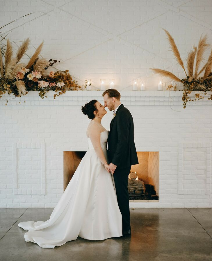 """Franny Quirsfeld and Justin Kaczmar embraced the fall season for their November wedding in Minnesota. """"I'm Scandanavian, and given the chilly November"""