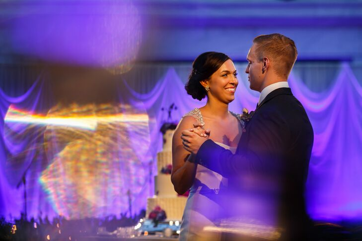 As Jackie danced with Bryan during their first dance, her sheer sleeves glistened from the embellishments accenting the shoulders. The gems added a nice sparkle to her already dazzling look.