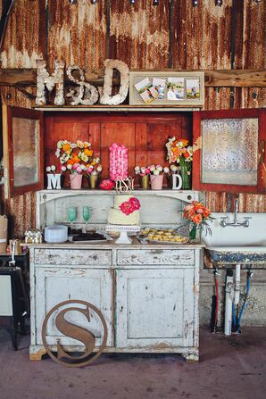 Rustic Dessert Display and Decorations