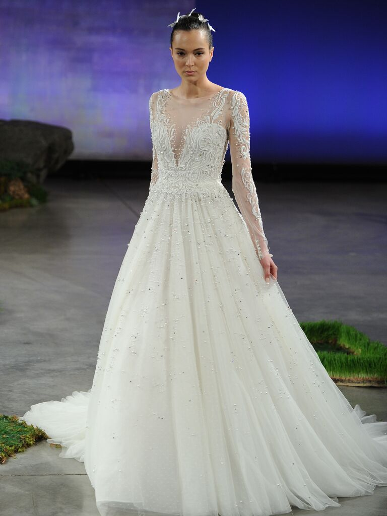 15 Beautiful Long-Sleeved Wedding Dresses