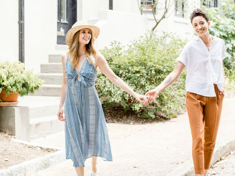Engagement photo outfits