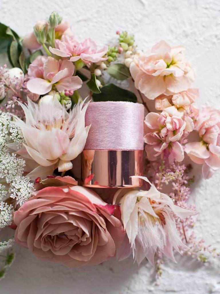 engagement ring box ideas rose gold velvet