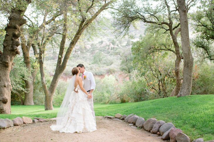 The stunning wedding photos. scenery a the Van Dickson Ranch provided the perfect backdrop for the couple's photos.