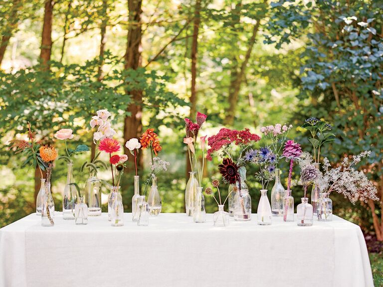 Wilt-proof flowers for spring and summer weddings