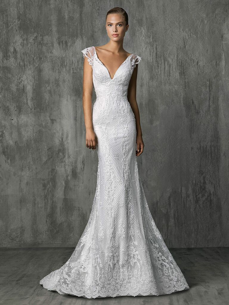 Victoria Kyriakides Fall 2018 wedding dresses with all over Chantilly lace