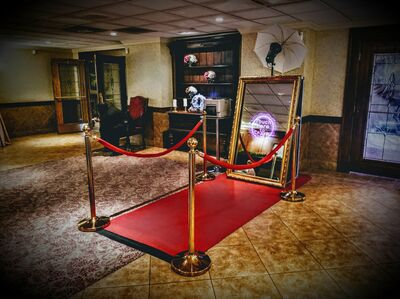 Karaoke Houston - Mirror Photo Booth From $499