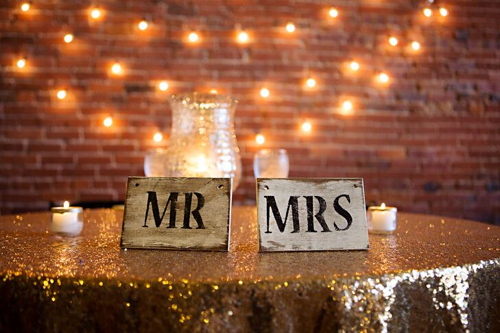 Shabby-Chic 'Mr.' and 'Mrs.' Signs